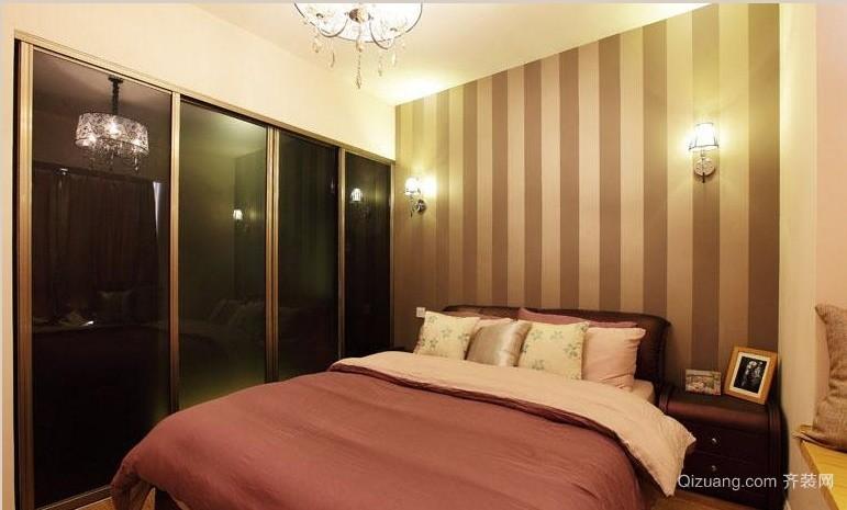 壁纸营造温馨氛围 卧室背景墙装修图