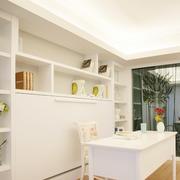 干净整洁白色书房
