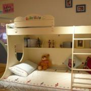 浅色系的儿童房