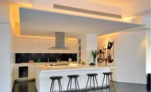 大户型厨房白色吧台