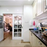 家居实用厨房图片
