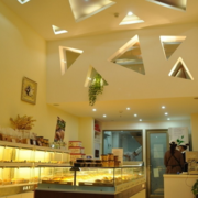 蛋糕店精致吊顶欣赏