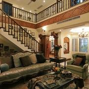 别墅美观精致楼梯