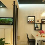 小户型餐厅墙面置物柜
