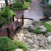 别墅花园小桥装修