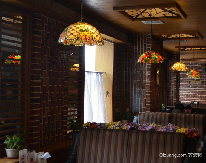 90平米欧式复古咖啡店装修效果图