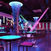 灯光绚烂的酒吧欣赏