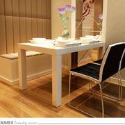 暖色调客厅餐桌图片