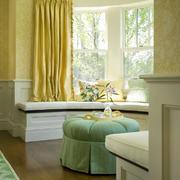 卧室椭圆状的飘窗