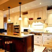 开放式大型厨房