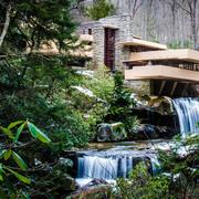 河水上的别墅