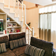 客厅白色楼梯欣赏