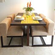 家居小餐厅餐桌椅