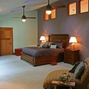 东南亚简约风格阁楼卧室装饰