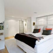 白色干净卧室图片