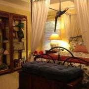 美式混搭风格卧室置物架装饰