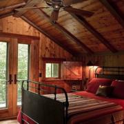 美式风格复古卧室原木吊顶装饰