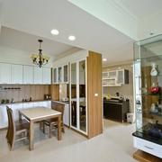 日式简约风格厨房原木橱柜装饰