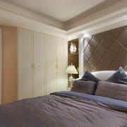 卧室背景墙现代款