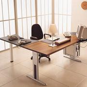 日式简约风格清新办公桌装饰