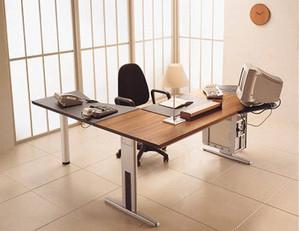 小型木制组合办公桌装修效果图