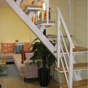 北欧风格清新白色系楼梯装饰