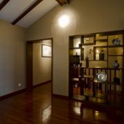 美式简约风格客厅置物架隔断装饰