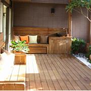 东南亚风格阳台原木地板装饰