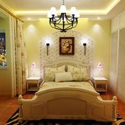 精致的卧室灯光设计