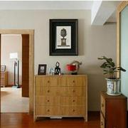 玄关鞋柜照片墙装饰