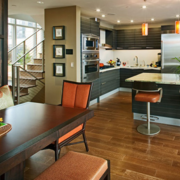 室内餐厅瓷砖原木色
