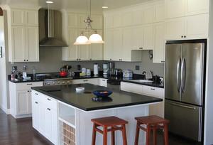 美式简约风格厨房橱柜装饰