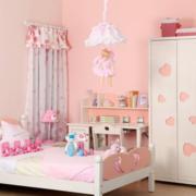 粉色浅色系儿童房背景墙装饰