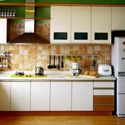 简约风格清新厨房橱柜装饰