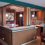 东南亚简约原木厨房吧台装饰