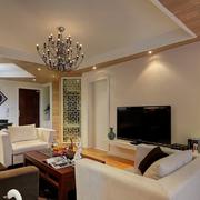 现代简约风格客厅隔断装饰