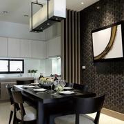后现代风格深色系餐厅背景墙装饰