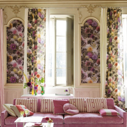 欧式粉色系飘窗装饰