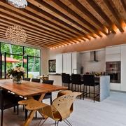 现代简约风格餐厅原木吊顶装饰