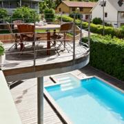别墅游泳池两层造型