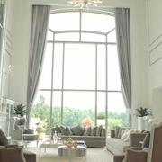 欧式简约浅色客厅飘窗装饰