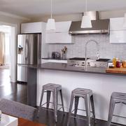 后现代风格浅色系厨房吧台装饰
