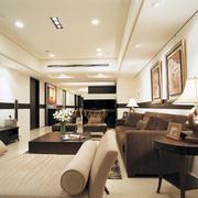 客厅榻榻米沙发设计