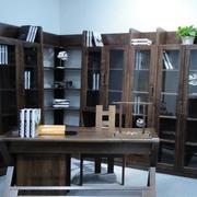 办公区域的书架