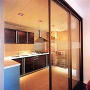现代简约风格厨房玻璃门装饰