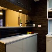 现代简约风格厨房吧台装饰
