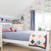 美式简约风格儿童房床饰装饰