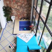 小区高层阳台窗户装饰