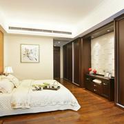 公寓卧室空间深色款