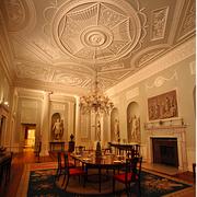 欧式经典风格客厅花纹石膏板吊顶装饰